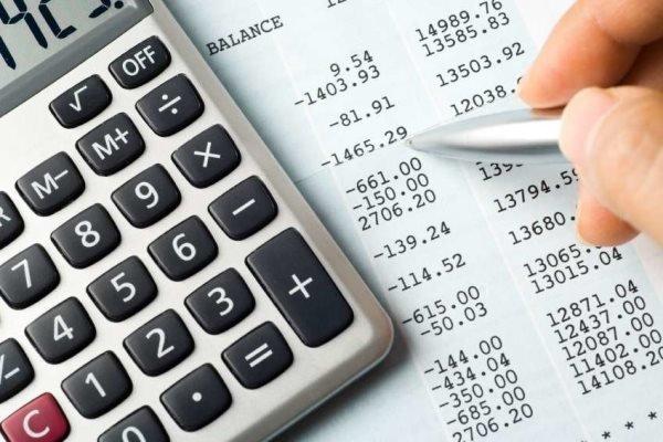 تصمیمات مالیاتی دولت به نفع دلالان آهن هست