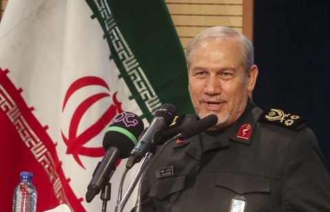 اگر آیت الله خامنهای نبودند، سوریه و عراق سقوط کرده بودند