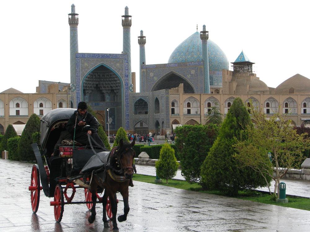 بارش باران هوای اصفهان را پاک کرد