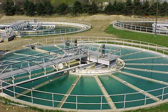 اصفهان سالانه ۲۰ میلیون مترمکعب آب کم دارد