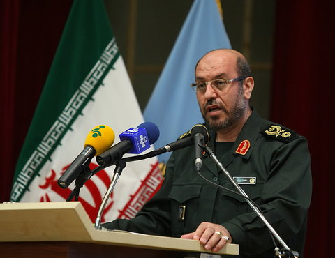 سردار دهقان: ایران تحت هیچ شرایطی با ترامپ گفتوگو نمیکند