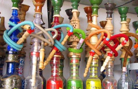 چایخانه های اصفهان تا ۱۴۰۲ میتوانند قلیان عرضه کنند