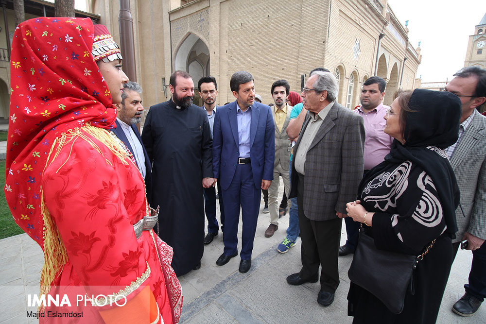 Isfahan mayor visits the Armenian anthropology museum