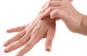 درد و خواب گرفتگی شبانه بازو و انگشتان دست را جدی بگیرید
