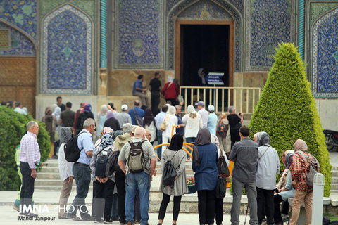 Over 300 thousand foreign tourists visit Isfahan province