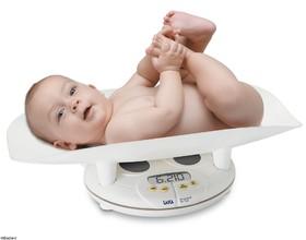 افزایش وزن نوزاد؛ بهترین راه برای تشخیص کفایت شیرمادر/ نخستین شیردهی، یک ساعت  بعد زایمان