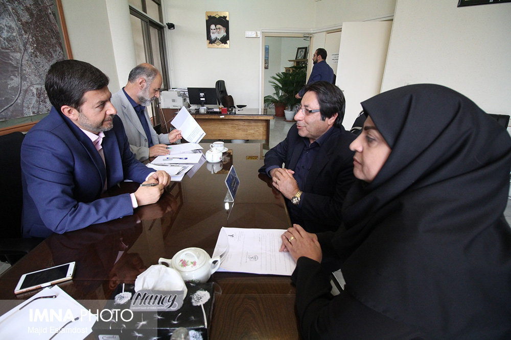 Mehdi Jamali Nejad meets Isfahan citizens of district 6 to answer their questions directly