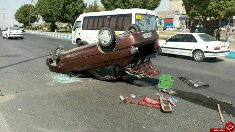 واژگونی خودروی حامل اتباع بیگانه ۱۱ مصدوم بر جا گذاشت