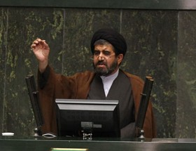 لارگانی: آب اصفهان را برگردانید
