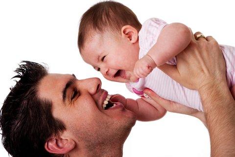 لذت بردن از قرنطینه اجباری در کنار نوزادان