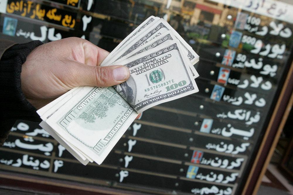پرواز دلار، سقوط ریال
