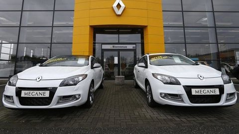 French carmakers rushing into Iran's market in rivals' absence