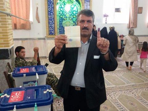 شکوه حضور مردم در انتخابات 29 اردیبهشت در بادرود+تصاویر