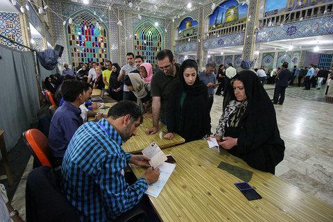 حضور مردم در ساعات پایانی اخذ رای