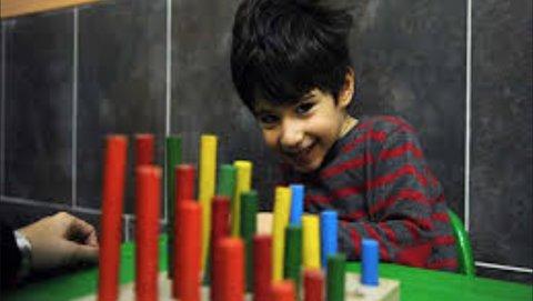 پرسش دوازدهم: چگونه از کودکان کم توان یا اوتیسم در برابر کرونا محافظت کنیم؟