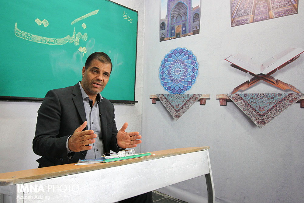 گرایش جمعیت استان اصفهان به پیری/ فرصت تعویض کارت ملی قدیمی تا پایان امسال