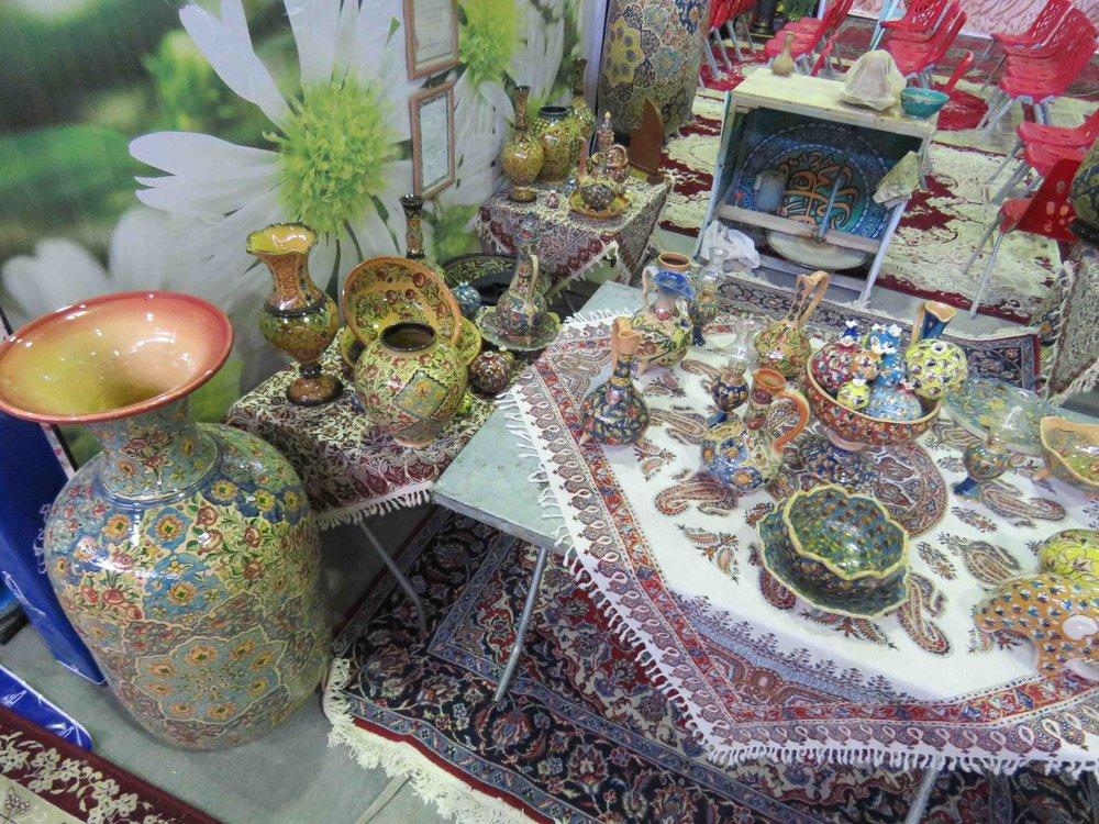 ایجاد نمایشگاه دائمی سفال و صنایعدستی در شهرضا