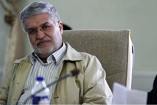 Moein elected as provisional head of Isfahan City Council