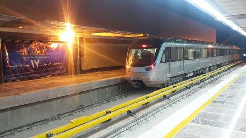 کاهش سرفاصله زمانی خط 2 قطار شهری مشهد به 10 دقیقه