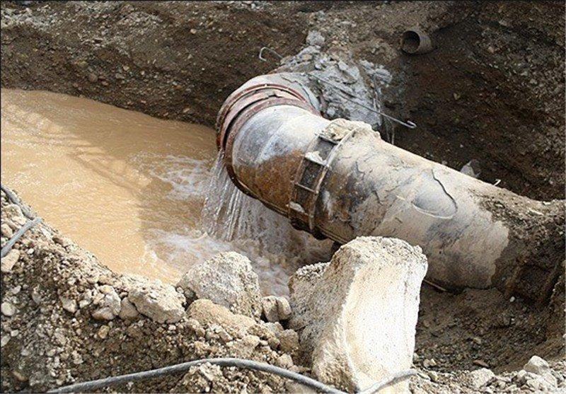فاضلاب کارخانه کاغذسازی کیفیت آب زاینده رود را تهدید میکند