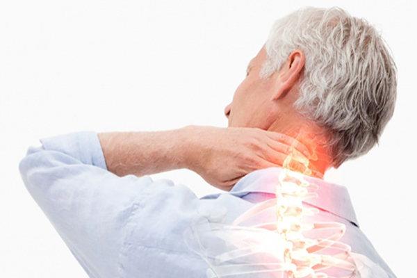 آرتروز گردن؛ بیماری شایع مردان بالای ۴۰ سال/درد استخوان کتف؛ نشانه رایج
