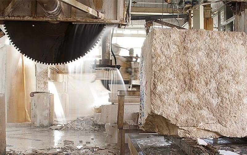 صنعت سنگ با کمبود نیروی متخصص و سرمایه انسانی مواجه است