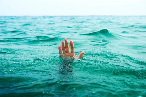 اهدای حواله خسارت بیمه دانشآموزی به خانواده دانشآموز غرقشده سنگری