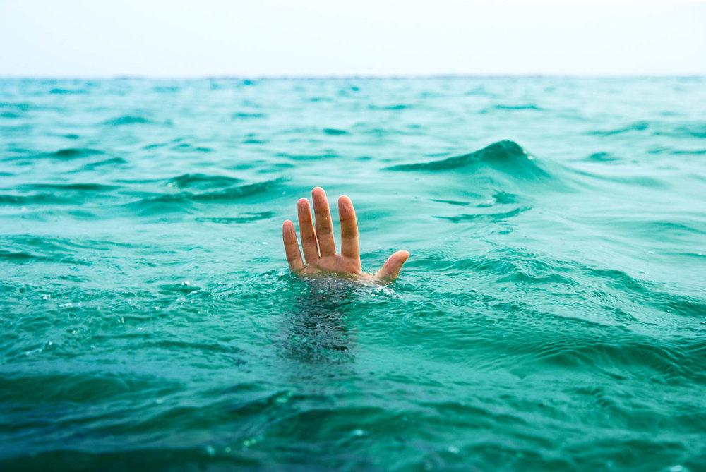 دختر ۲۷ ساله در فولادشهر غرق شد / علت مرگ مشخص نیست