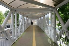 احداث پل عابر پیاده در خیابان صمدیه