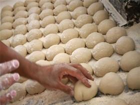 تخلف سنگین در ۸۵۰ واحد نانوایی در اصفهان گزارش شد