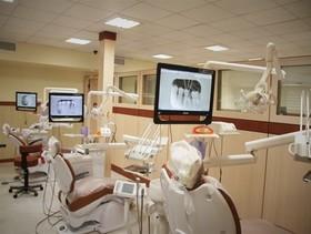 ۲ دستگاه کلینک سیار دندانپزشکی در اصفهان به بهره برداری رسید