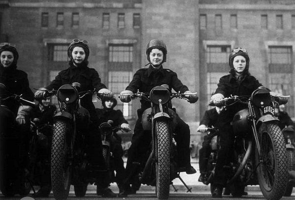 تاریخچه موتورسواری زنان در جهان به همراه عکس