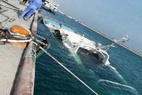کشتی مسافربری در جزیره کیش غرق شد/حادثه تلفاتی نداشت