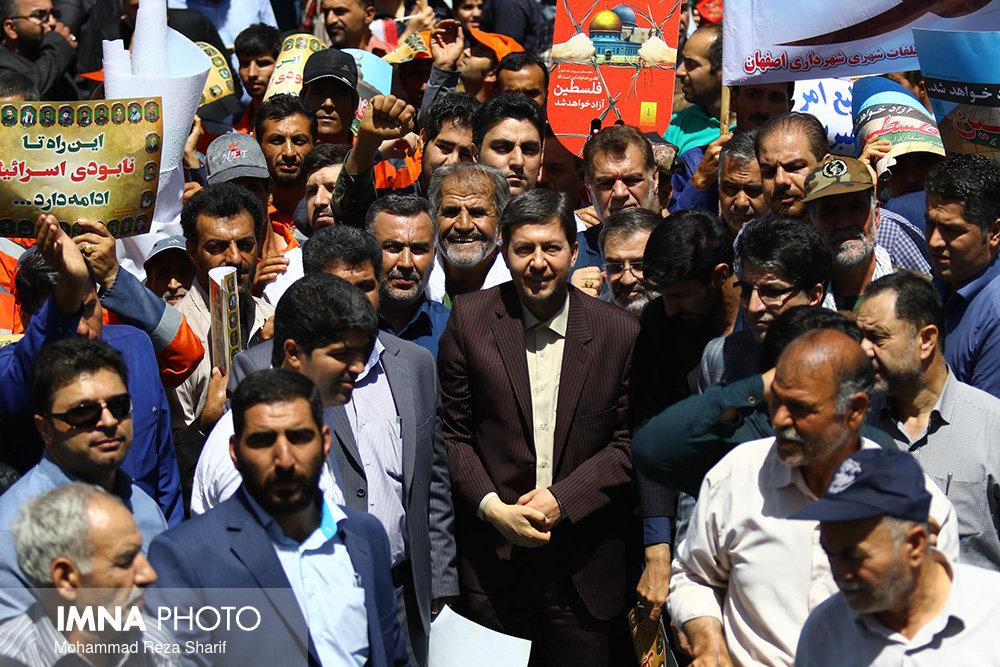 نصف جهان بار دیگر حماسه ای جهانی آفرید/تقدیر شهردار اصفهان از حضور حماسی مردم در راهپیمایی