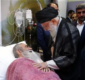 رهبر معظم انقلاب اسلامی از آیت الله مظاهری عیادت کردند