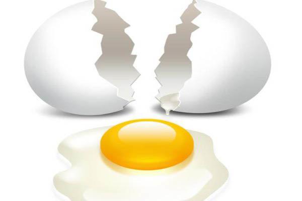 درمان ریزش مو و کم خونی با تخم مرغ