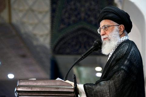 رهبری در خطبه های نماز عید فطر