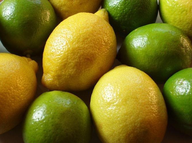 مواد غذایی مفید برای کاهش فشار خون/میوه سردخانهای نخوریم