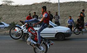بازنگری قانونِ بی قانونی موتورسیکلت سواران/بیشترین سرقت ها توسط موتورسواران فاقد پلاک