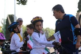 دوچرخه سواران نوجوان به استقبال پروانه های جشنواره کودک آمدند