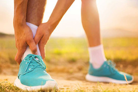 فشارهای عصبی منجر به گرفتگی عضلات پشت پا می شود/ کم آبی، مهم ترین عامل گرفتگی عضلات