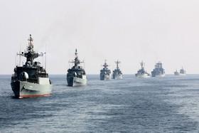 رژه یگان های سطحی و پروازی ارتش در بزرگترین دریاچه دنیا
