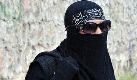مسئول زنان انتحاری داعش دستگیر شد+ تصاویر