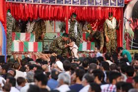 """استقبال بی نظیر مردم کاشان از """"کاروان شهدای گمنام"""""""