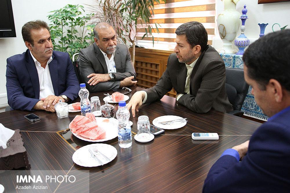 دیدار شهردار اصفهان با قهرمانان مسابقات جهانی پیوند اعضا + عکس