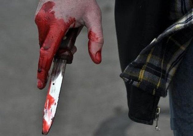 قاتل، مرد جوان را در حمام خون غوطهور کرد