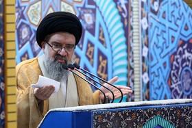 باید به افرادی که حکم امام درباره منافقین جنایتکار را اجرا کردند مدال داد