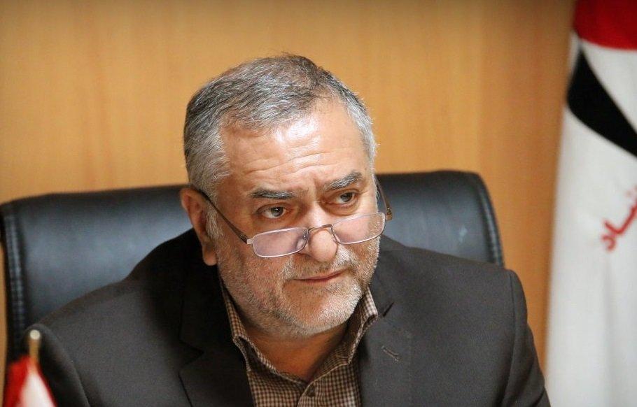 وکیلی: یکسان سازی قبور شهدا در اصفهان انجام نشده است