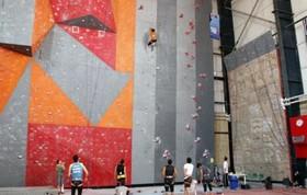 راه اندازی دیوار صخره نوردی در نطنز