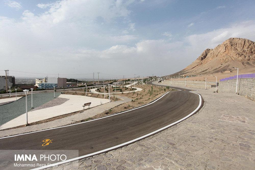 ۸۱۳ پروژه بزرگ و کوچک در اصفهان اجرا میشود